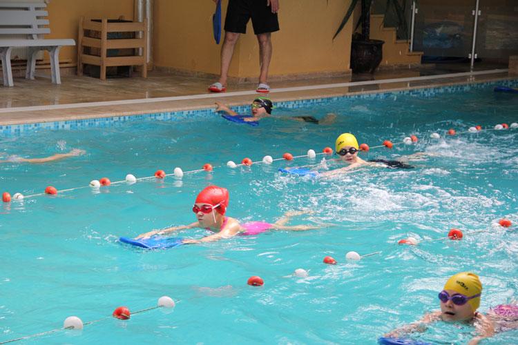 çocuklar için beylikdüzü yüzme havuzu