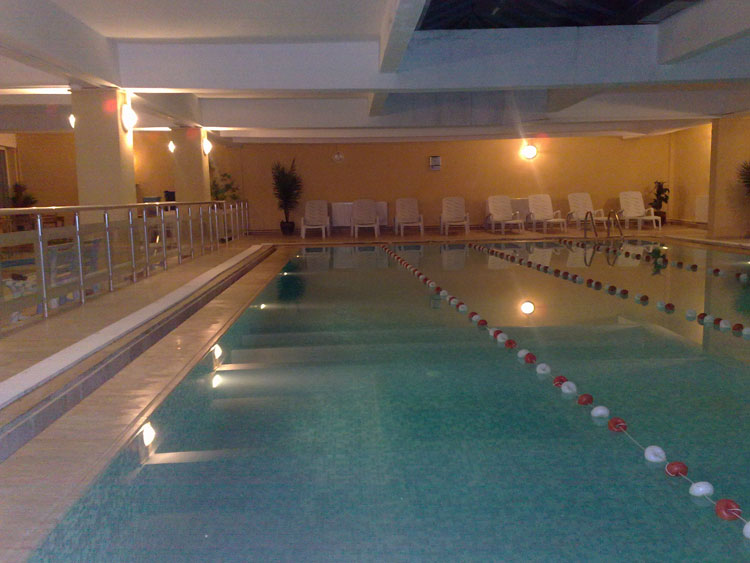 beylikdüzü kapalı yüzme havuzu